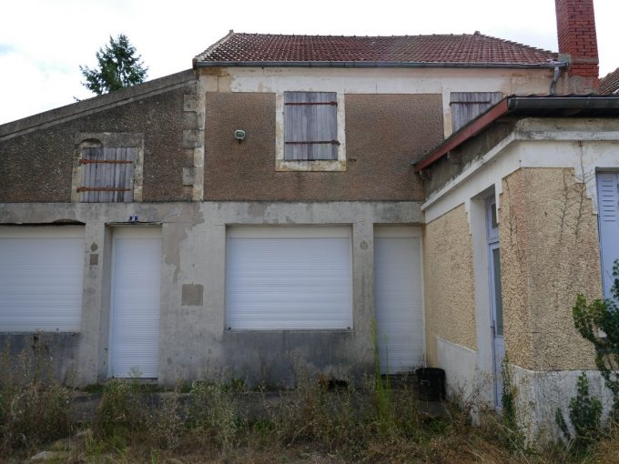Ensemble immobilier à restaurer MARZY bourg
