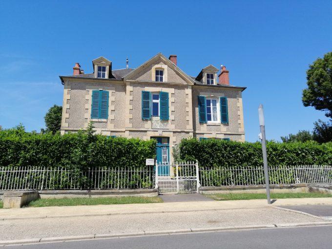 Maison de style 4 chambres A LOUER Magny-Cours
