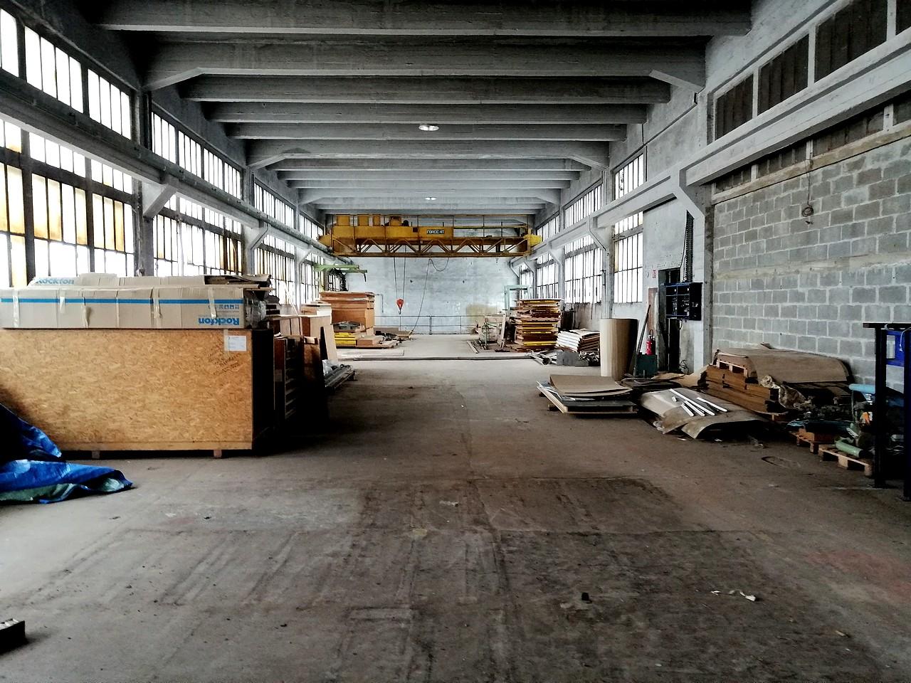 Bâtiment industriel 3500 m² à vendre Nevers